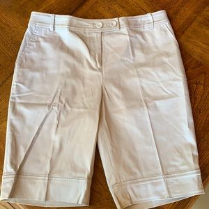 Light gray ladies shorts by Sharon Young size 10